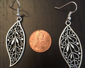 Silver filigree leaf earrings nature tree