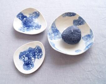PEBBLE bowl set, cobalt blue bubbles