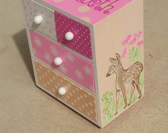 personalized  baby deer, poke a dots girl jewelry box, shades of pink jewelry box, birthday gift, flower girl gift, bridesmaid gift