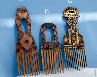 Vintage wooden African hand carved hair combs - homedecor - wall hanging - ethnic,folk,tribal,geometric,patterned - SALE