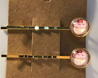 Yummy cupcakes on gold Bobby Pin Set