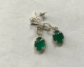 Green agate and filigree sterling drop earrings. Green and silver dangle earrings.