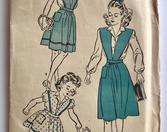 """Vintage 1940s Advance Girls' Blouse and Jumper Dress Pattern 3693 Size 4 (23"""" Chest)"""