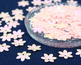 100 • 15 mm Pink Peach Flower Sequins