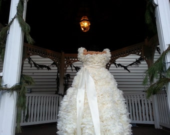 PuffScape 5ft BRIDAL DRESS REPLICA  - Ivory & Gold Tissue Paper Flower Pom Pom Puffs Bridal Fairy Tale Princess Wedding Quinceanera Sweet 16