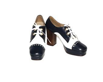 Vintage NINA Authentic 1970's Platform Navy White Oxford Lace Up Pumps 7.5 -DEADSTOCK-