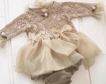 Cod262Newborn Lace Romper,vintage color green , baby bloomer, baby jumper, baby girl, romper, newborn clothing, photography prop