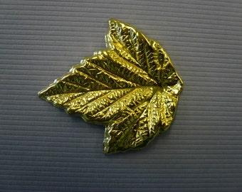 Vintage 3D Brass Grape Leaf Stamping NOS (3)