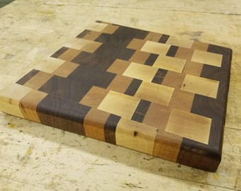 Endgrain Cutting Board. Made of Maple Cherry & Walnut.