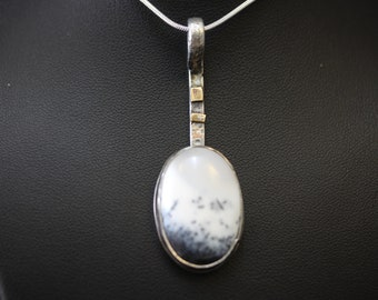 Sterling Silver Pendant With Dendrite Stone 9041318-017)