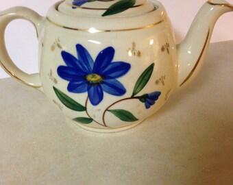 Shawnee Gold Trimmed Teapot