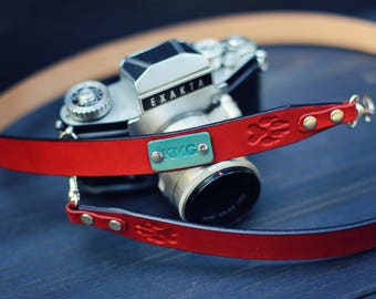 Camera Strap, leather camera strap, Custom camera strap, personalized, dslr camera, Dog wolf Paw, Choose color, stamp, text, name, initials