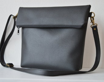 Black crossbody bag / Everyday shoulder purse / Simple foldover vegan leather bag
