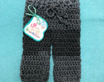 Newborn crochet pants size 0-3mo