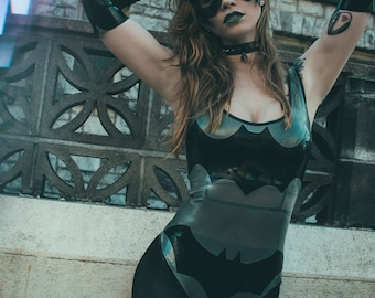 Latex bodysuit Bat girl in Silver and Black with 2 different logos   Cosplay batman