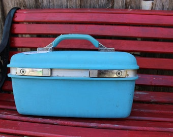 Vintage Sky Blue Samsonite Royal Traveller Montbello II Sky Blue Train Case/Overnight Suitcase