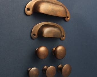Aged Bronze Kitchen Handles Drawer Cup Pulls & Knobs ~ Antique Old Solid Copper Style Cabinet Handles Cupboard Door Pulls Shaker English