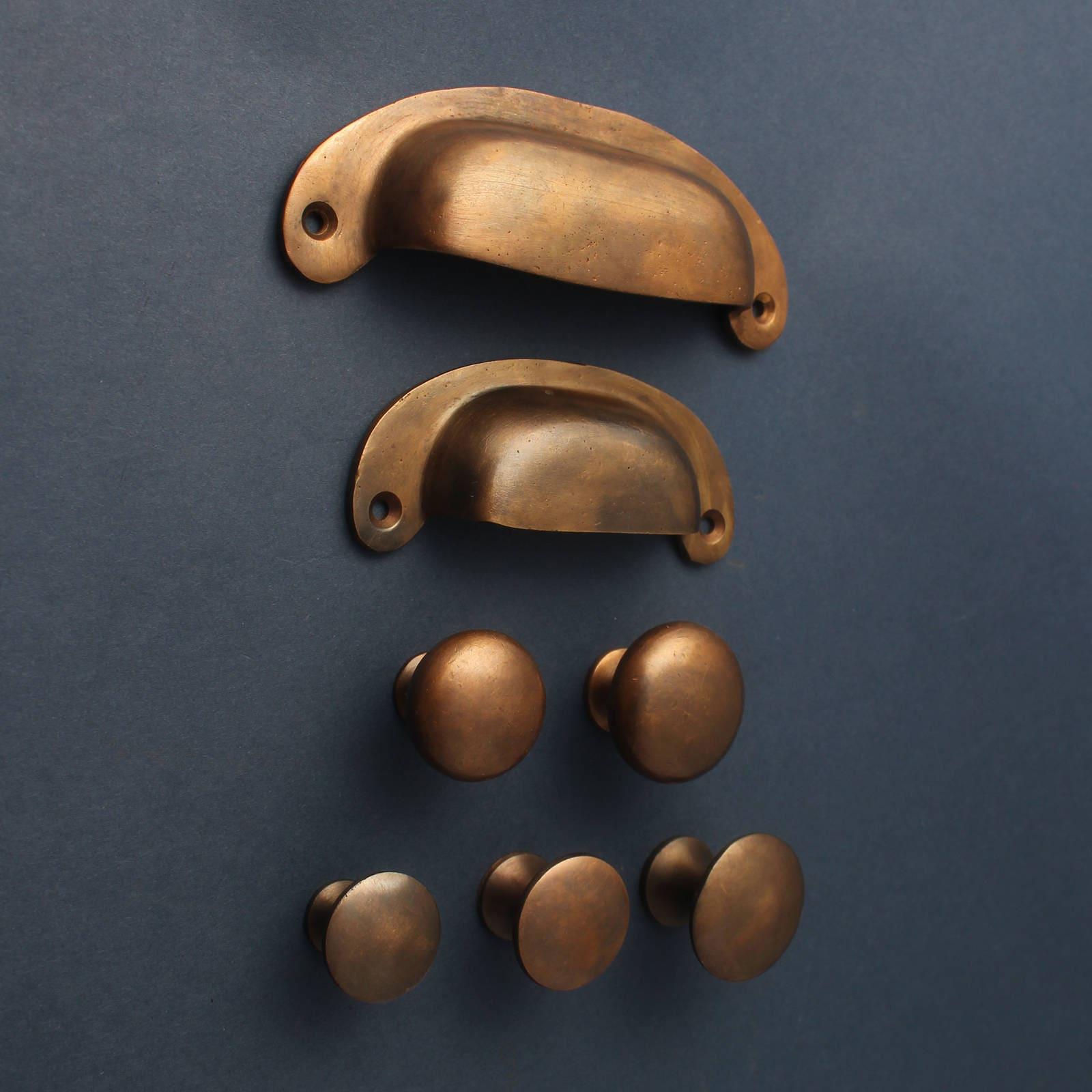 Im Alter von Bronze Küche Griffe Knäufe Cup & Knöpfe Antike