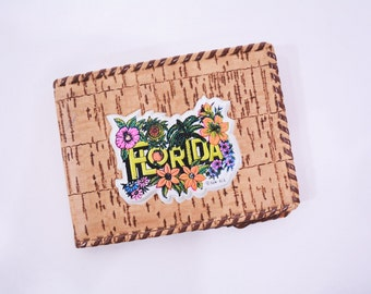 ANNIVERSARY SALE // 1980s vintage wallet   Florida whip stitch small wallet souvenir   vintage 80s wallet