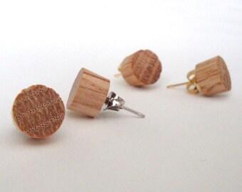 "Natural wood stud earrings, oak post earrings, 3/8"""