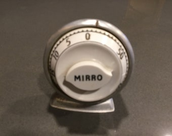 Mirro aluminum vintage kitchen timer....needs work