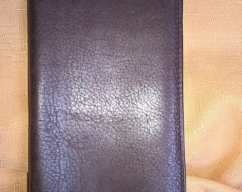 Reduced! Classic Fossil Men's Leather Checkbook Wallet in Distressed Brown