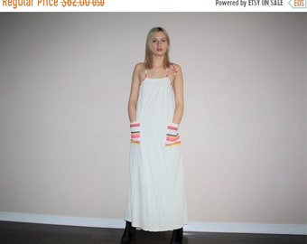 On SALE 60% Off - Vintage 1980s White Terrycloth Rainbow Stripes Graphic Maxi Dress - 1980s Minimalist Dress - W00442