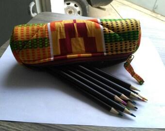 T014 - Round Kit school wax (pencil box) canvas