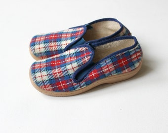 French Vintage 60/70's / canvas shoes / checkered fabric / new old stock / size 31 ( EU )