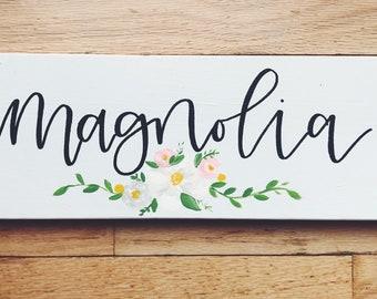 Made to Order First Name Sign// kids Bedroom Decor// Floral Design// Hand Lettered// Modern Calligraphy// Baby Girl Decor// Custom