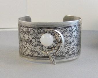 Moonbeam,Bracelet,Moon,Moon Bracelet,Moon Cuff,Goddess Cuff,Goddess Jewelry,Moonstone Jewelry, Moonstone bracelet,Cuff,Silver Bracelet,