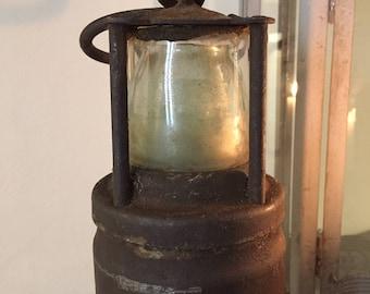 Quaint Ornament! Vintage Heavy Rustic Old Miners Lamp FREE POSTAGE