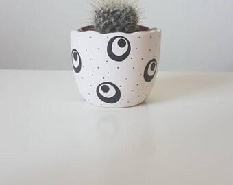 Striped Circle Pot - Hand Painted Flower Pot - Egg Shell Pot 6cm