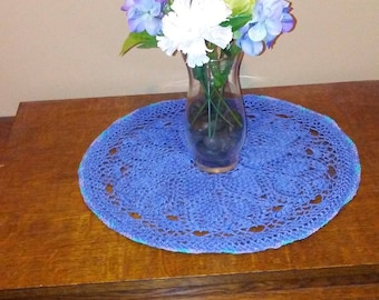 Blue Grape Bunch Doily with a Variegated Edge