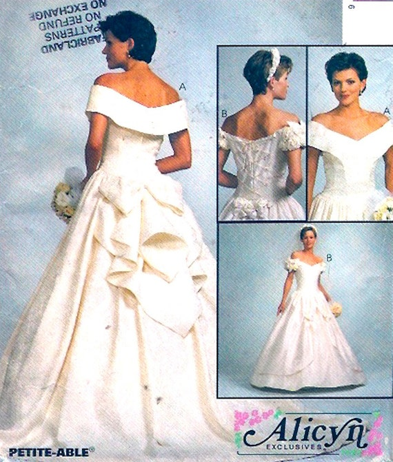 Brides Wedding dress Romantic gown sewing pattern McCalls 8052 ...