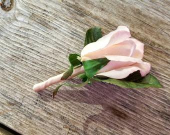 Blush rose premium boutonniere, blush boutonniere, pink boutonniere, premium boutonniere, wedding boutonniere, rose wedding boutonniere