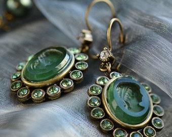 Green Intaglio Earrings, Forest Green Earrings, Glass Earrings, Intaglio Jewelry, Cameo Jewelry, Cameo Earrings, Antique Earrings E1268