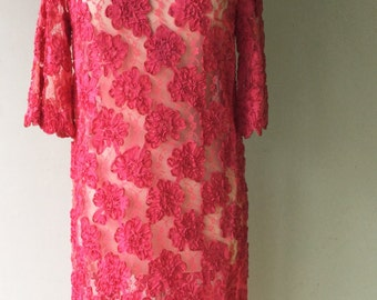 1960s Vintage Fuchsia ROSETTE Sheer Lace Dress // Size Medium