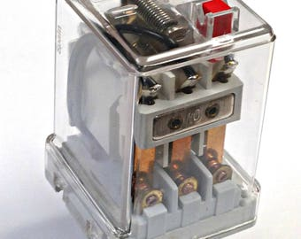 Vintage Recycled ELECTRONIC PARTS RELAY Industrial Switch 60Hz 6V 3.4mA EP1 Pkg1