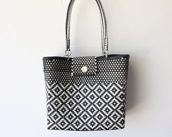 Black & White Mexican woven plastic bag with long handles,  Mexican Tote, Oaxacan Mexico Woven Handbag, Ethnic Mexican Purse
