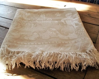 Vintage Linen, Stunning French Bed Cover, Bed Throw, Detailed Angel, Cherub and Scrolls Embroidered Cloth, Bedspread Throw, Vintage Bedding