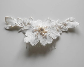 Wreath flower comb
