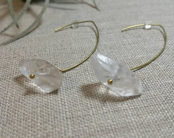 Quartz Point Brass Earrings / Dangle Earrings / Bohemian Earrings / Boho Chic / Minimalist / Geometric EQP01