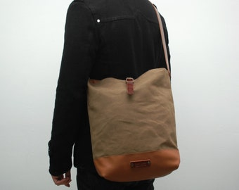 Messenger  bag waxed canvas, brown tobacco color, closures in leather