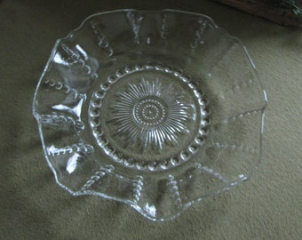 Vintage Federal Glass Co. Bowl Columbia Pattern 1936-1942 Ruffled and Buttons