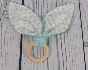 Teething ring / rattle wooden Mint/mint kisses collection