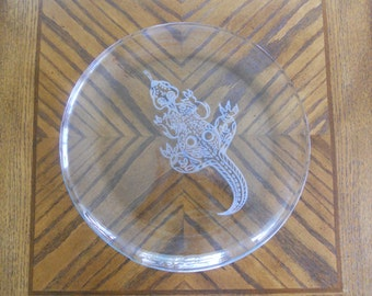 Izzy the Lizard Platter, sand etched