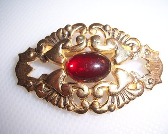 Vintage Ginnie Johansen 85 Red Glass Cabochon Repousse Brooch Pin