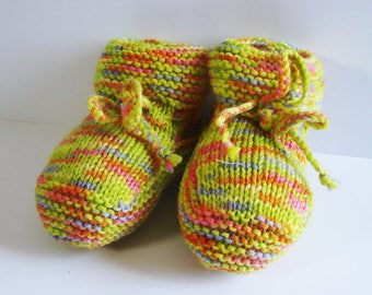 Baby booties - multicolored green - size 0-3 months