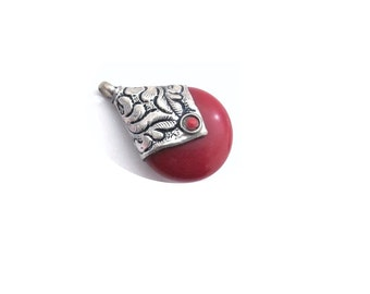Antique Silver Coral Pendant  Necklace , Coral Pendant  ,  Tibetan Jewelry